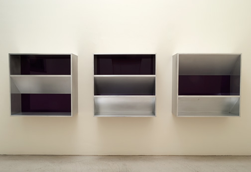 Donald Judd / Donald Judd Untitled (82-12)  1982  100 x 100 x 32 cm aluminium and purple plexiglass  (3 parts)