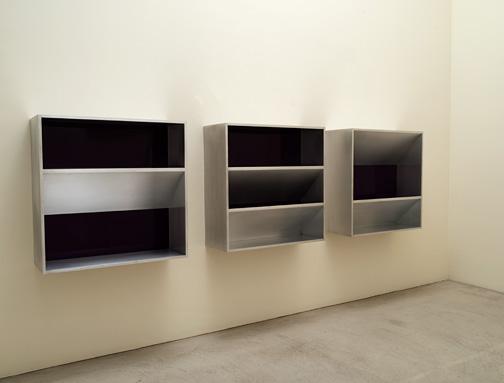 Donald Judd / Donald Judd Untitled (82-12)  1982  100 x 100 x 32 cm aluminium and purple plexiglass  (3 parts)