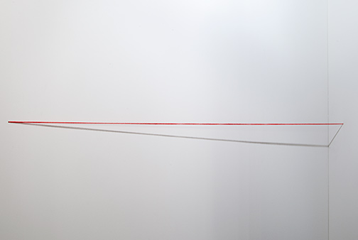 "Fred Sandback / Fred Sandback Untitled  1974 162.6 x 304.8 x 15.2 cm red acrylic yarn, untwisted, four strands (install with 3/16"" drill bit)"