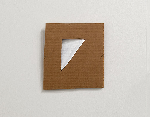 Richard Tuttle / Richard Tuttle Formal Alphabet E  2015 19.3 x 17.6 cm acrylic on corrugated cardboard, steel nails