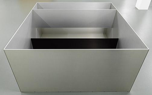 Donald Judd / Donald Judd Untitled  1989 99.5 x 199 x 199 cm clear anodized aluminium, anodized aluminium in black