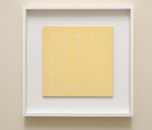 Antonio Calderara / Q 25 costellazione bianca in Q giallo  1971/72 27 x 27 cm Oel auf Holztafel