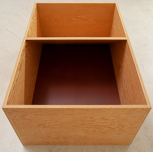 Donald Judd / Untitled  1979  49.5 x 114.3 x 77.5 cm douglas fir plywood with painted bottom (burned siena)