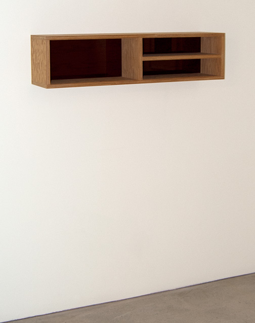 Donald Judd / Donald Judd Untitled  1992 25 x 25 x 100 cm plywood and plexiglass (PB 92-6)