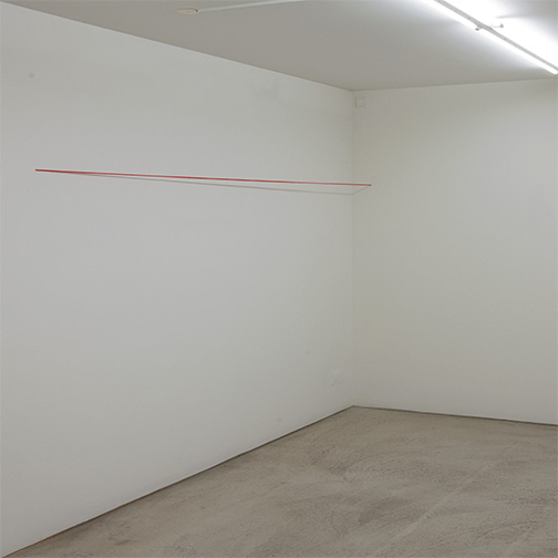 Fred Sandback / Fred Sandback Untitled  1974  162.6 x 304.8 x 15.2 cm Red acrylic yarn, untwisted